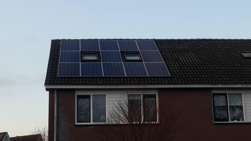 13 Axitec Solar 270 wp poly panelen met de nieuwste SolarEdge omvormer inclusief monitoring