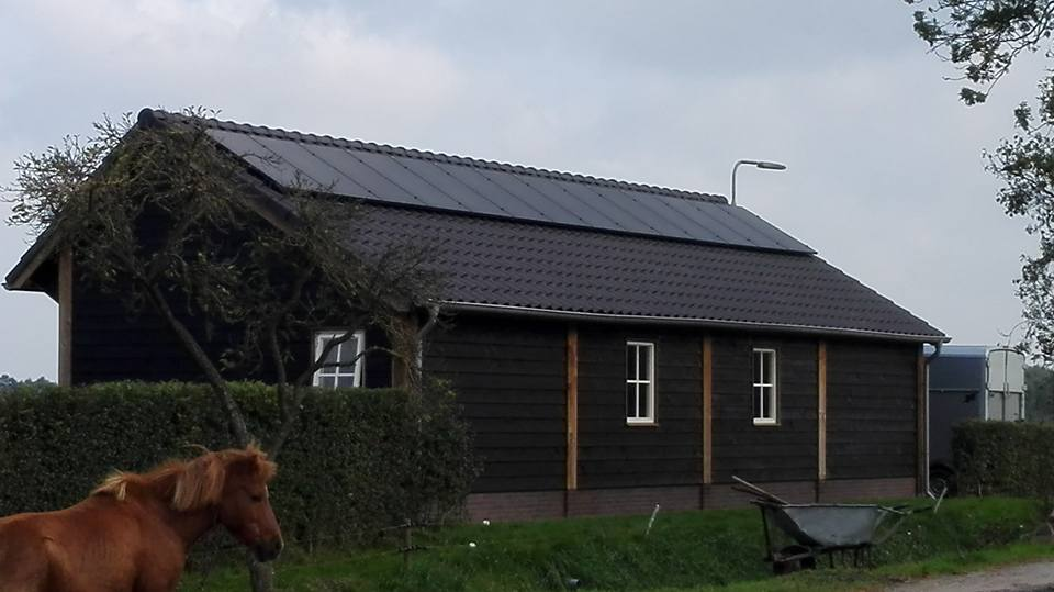 Ruinerwold, 14 Axitec Energy Solar Germany 280 Wp panelen